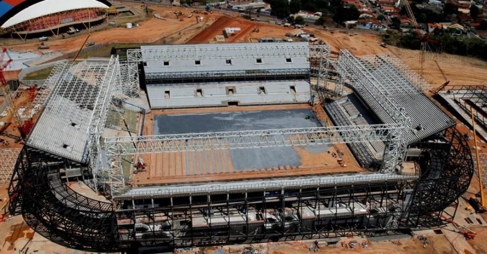 Arena Pantanal fica em Cuiabá/MT. Estádio segue com obras em andamento e deve ser entregue no começo de 2014