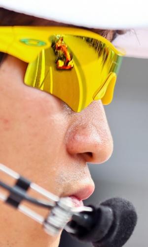 05.out.2013 - Carro de Fernando Alonso reflete no óculo do comissário de prova durante os treinos para o GP da Coreia do Sul
