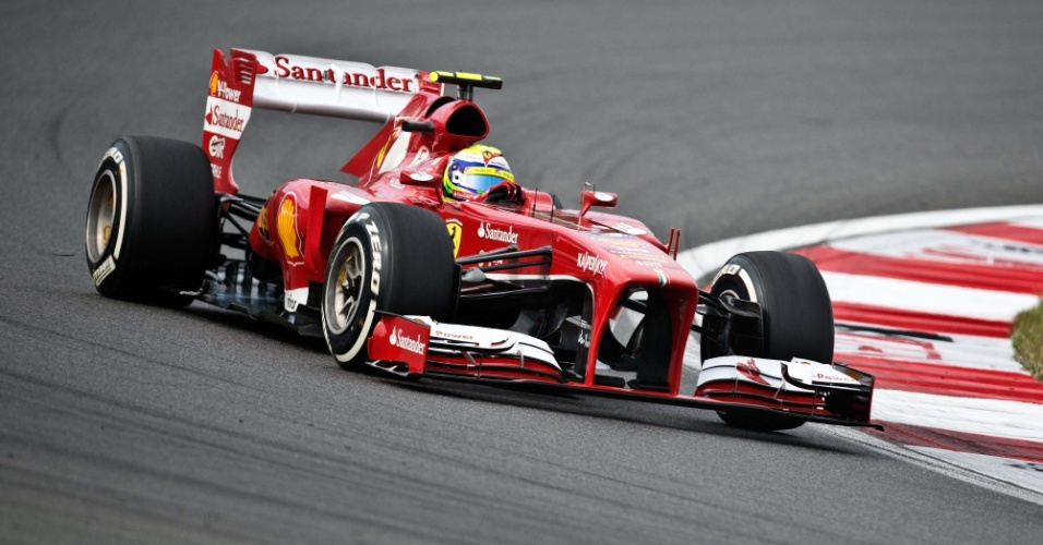 05.out.2013 - Felipe Massa realiza curva durante treino na Coreia do Sul