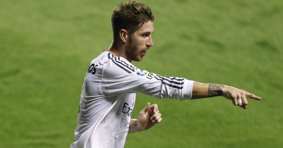 05.out.2013 - Sergio Ramos comemora seu gol na partida do Real Madrid contra o Levante
