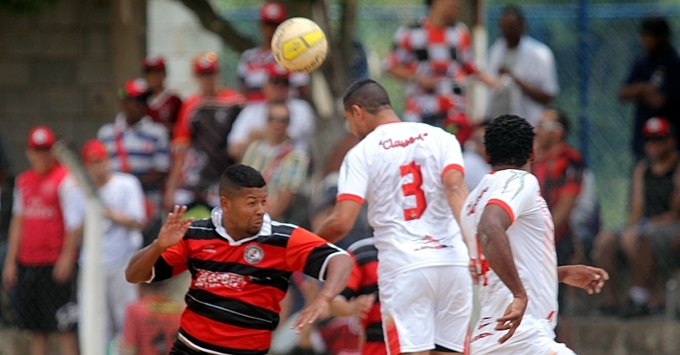 06.out.2013 - Classe A, da Barra Funda, venceu o São Jorge, Vila dos Remédios, por 1 a 0