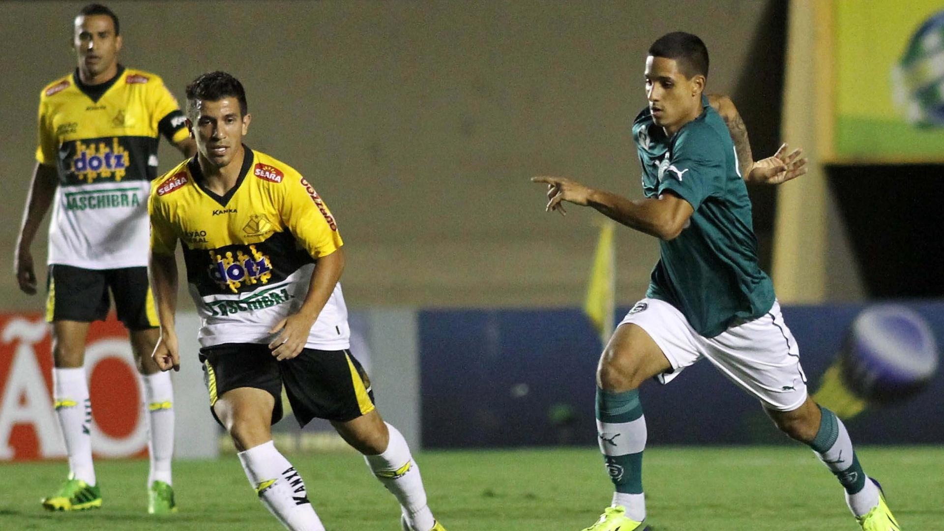 06.out.2013 - Goiás e Criciúma duelam no Serra Dourada, pela 26ª rodada da Série A