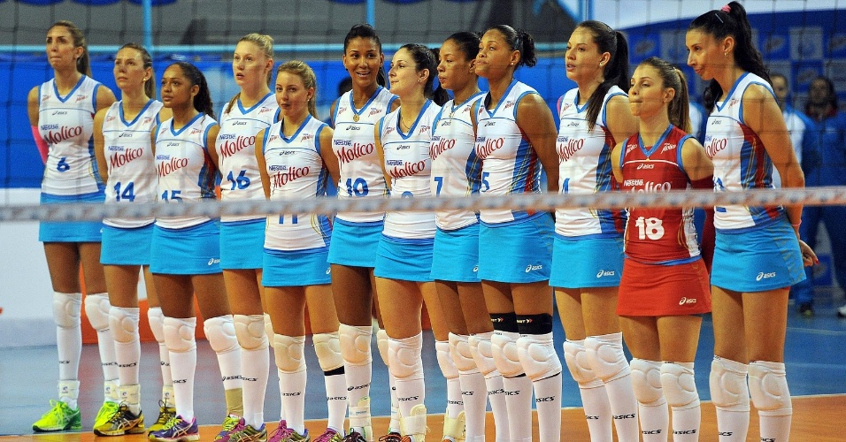 Jogadoras do Molico/Osasco usam saias na atual temporada do vôlei brasileiro