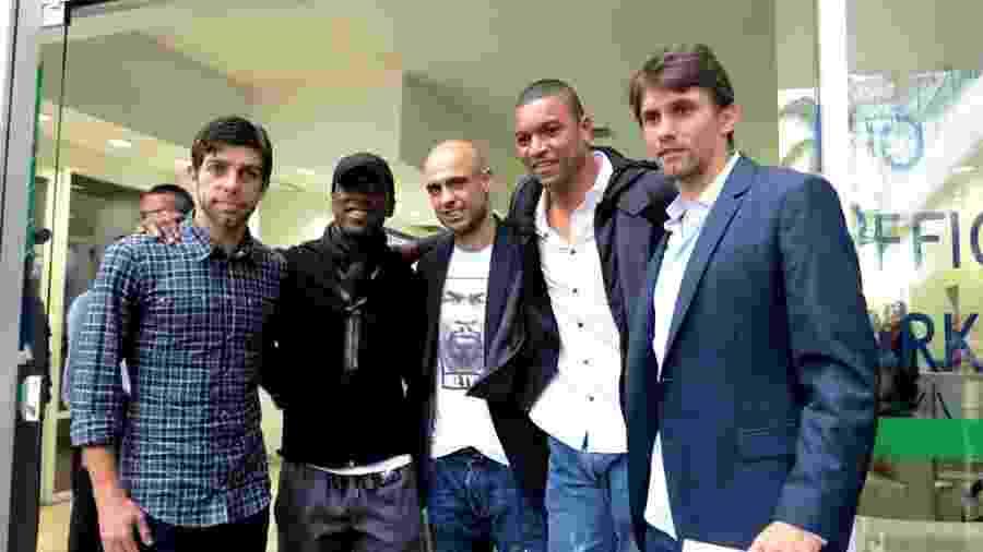 07.out.2013 - Juninho Pernambucano, Seedorf, Cris, Dida e Paulo André representaram o Bom Senso F.C. em reunião com a CBF - Pedro Ivo Almeida / UOL Esporte