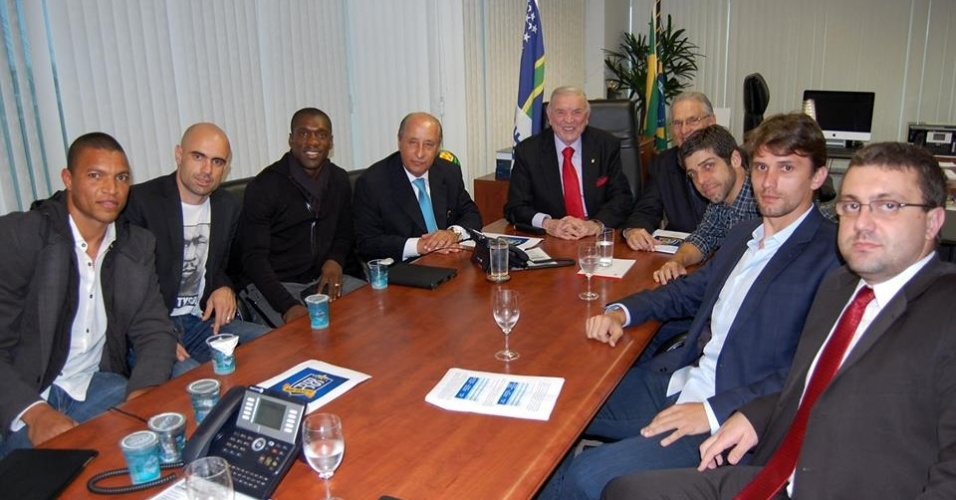 José Maria Marin, presidente da CBF, se reúne com jogadores do Bom Senso F.C., na sede da entidade
