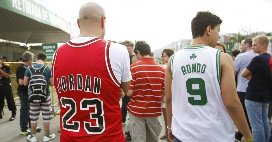 12.out.2013 - Além de torcedores do Chicago Bulls, NBA Global Games no Rio de Janeiro atraiu amantes de basquete como o torcedor do Boston Celtics