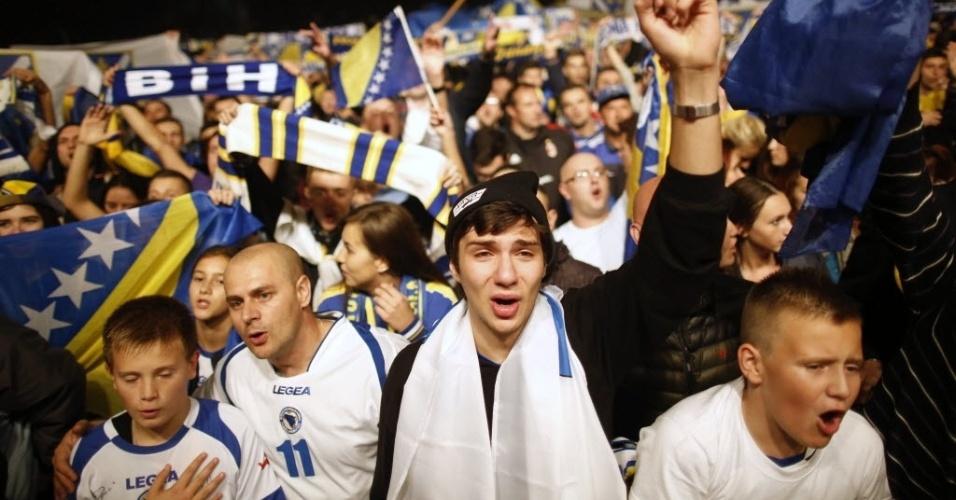 15.out.2013 - Torcedores da Bósnia-Herzegovina comemoram a classificação do país para a Copa do Mundo-2014 após vitória por 1 a 0 sobre a Lituânia