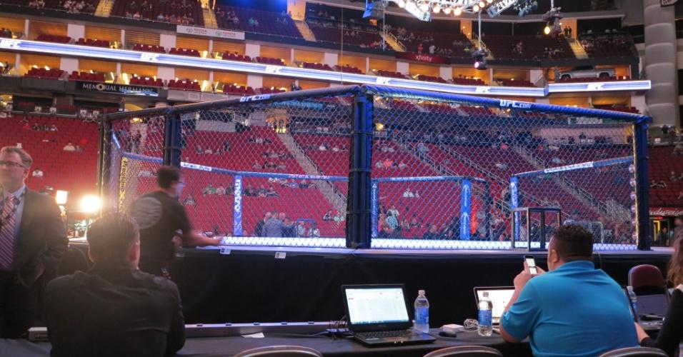 Arena em Houston recebe o UFC 166 com a luta entre Júnior Cigano e Cain Velásquez