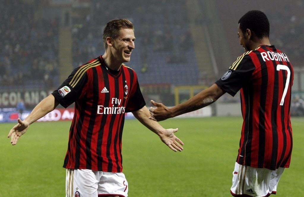 Birsa comemora ao lado de Robinho gol marcado pelo Milan contra a Udinese