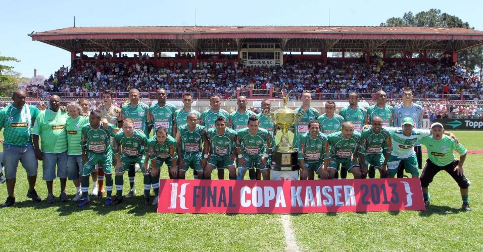 20.out.2013 - O time do Leões da Geolândia, finalista da Série A da Copa Kaiser