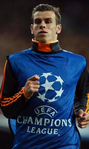 23.10.2013 - Meia Gareth Bale realiza o aquecimento durante partida entre Real Madrid e Juventus