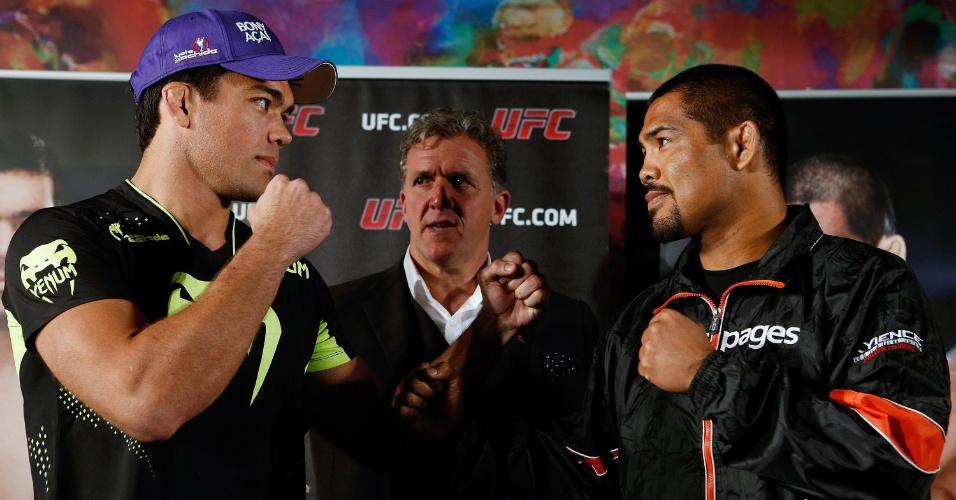 Lutador brasileiro Lyoto Machida encara pela primeira vez o rival e ex-companheiro de treinos Mark Muñoz, contra quem luta no UFC deste sábado, em Manchester (ING). Será a estreia de Lyoto como peso médio (84 kg), baixando dos meio-pesados (93 kg)