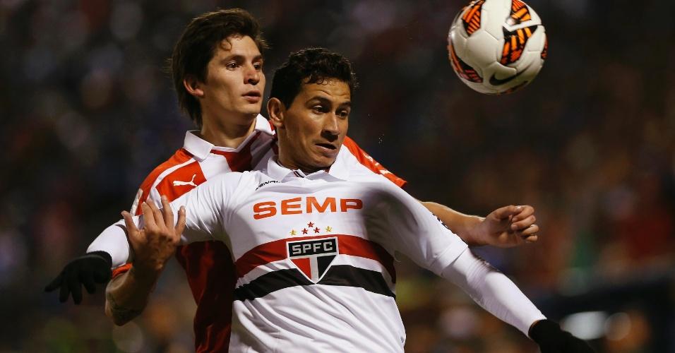 23.out.2013 - Ganso teve boa atuação e deu assistências para os gols de Welliton e Aloisio