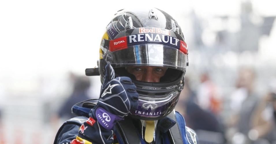 26.out.2013 - Depois de ter feito uma volta rápida, Vettel apenas observou o fim do treino para o GP da Índia de Fórmula 1