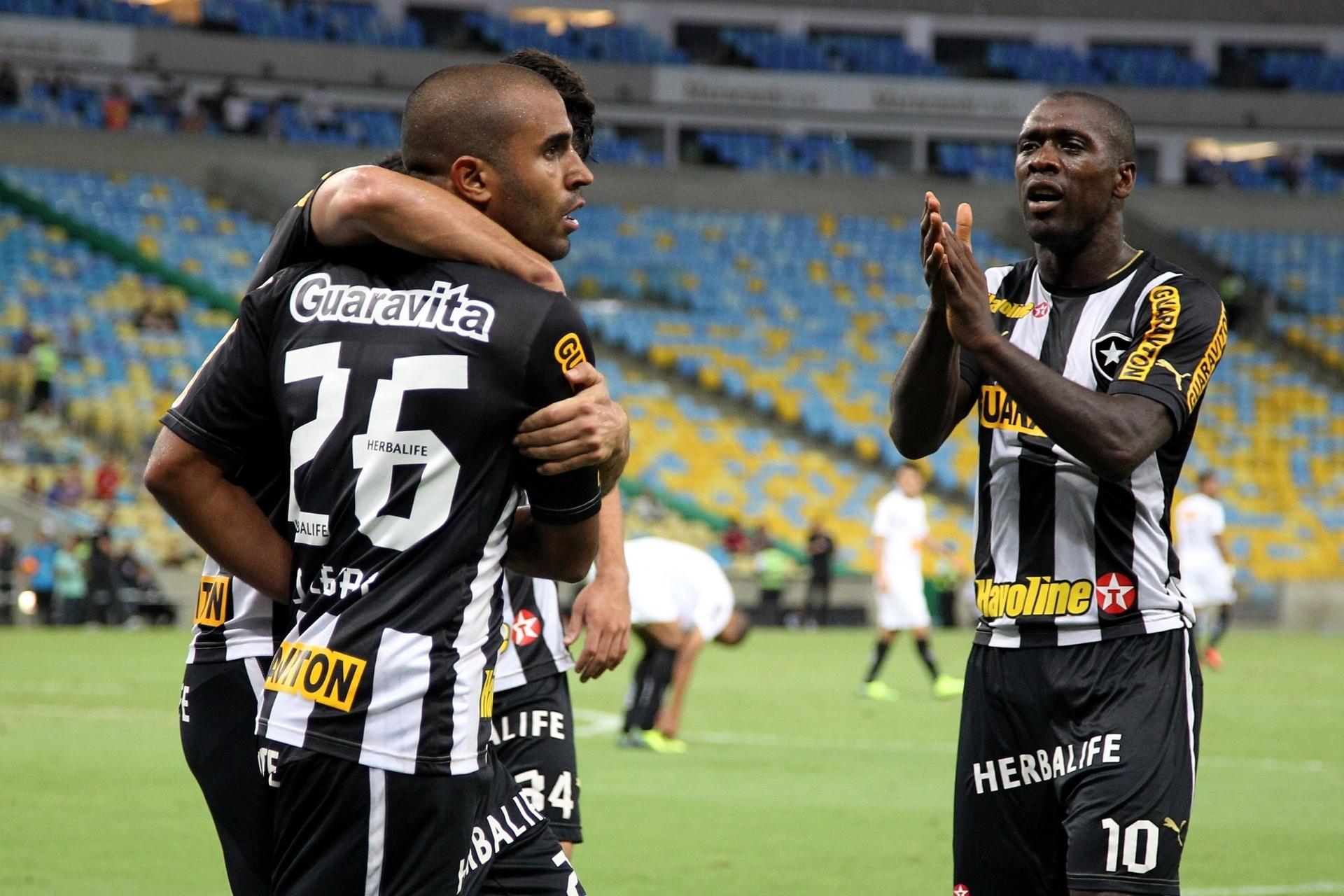 66bf562508 Seedorf revela mágoa com  torcedores de sofá  no Bota   uma decepção  -  24 11 2013 - UOL Esporte