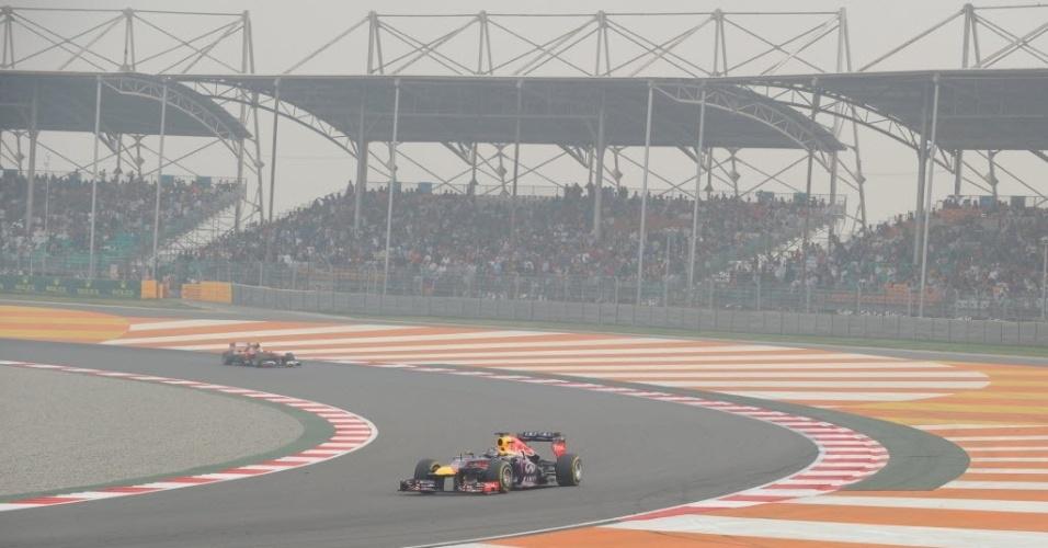 27.out.2013 - Líder da temporada, Sebastian Vettel largou na frente no Grande Prêmio da Índia de Fórmula 1