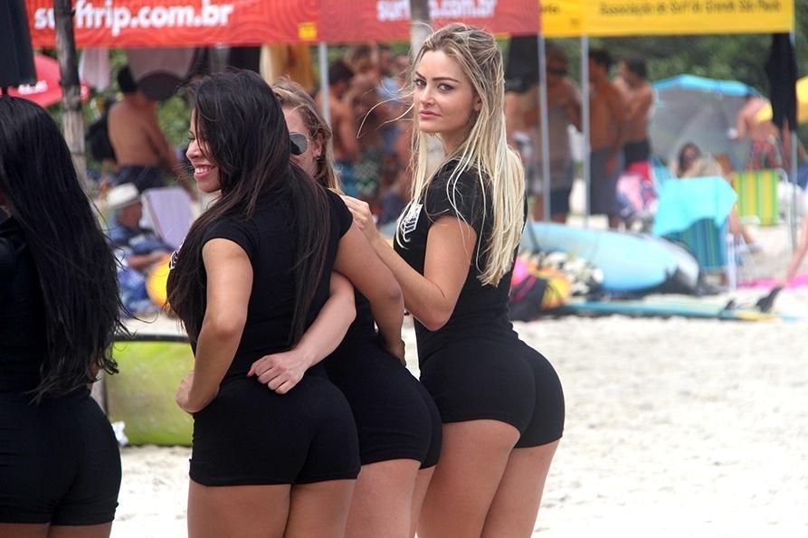 Modelo Laura Keller (última à direita) já foi capa de Playboy
