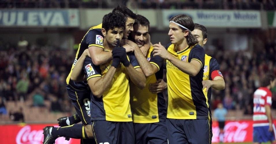 31.out.2013 - Diego Costa faz gesto pedindo silêncio após marcar para o Atlético de Madri contra o Granada