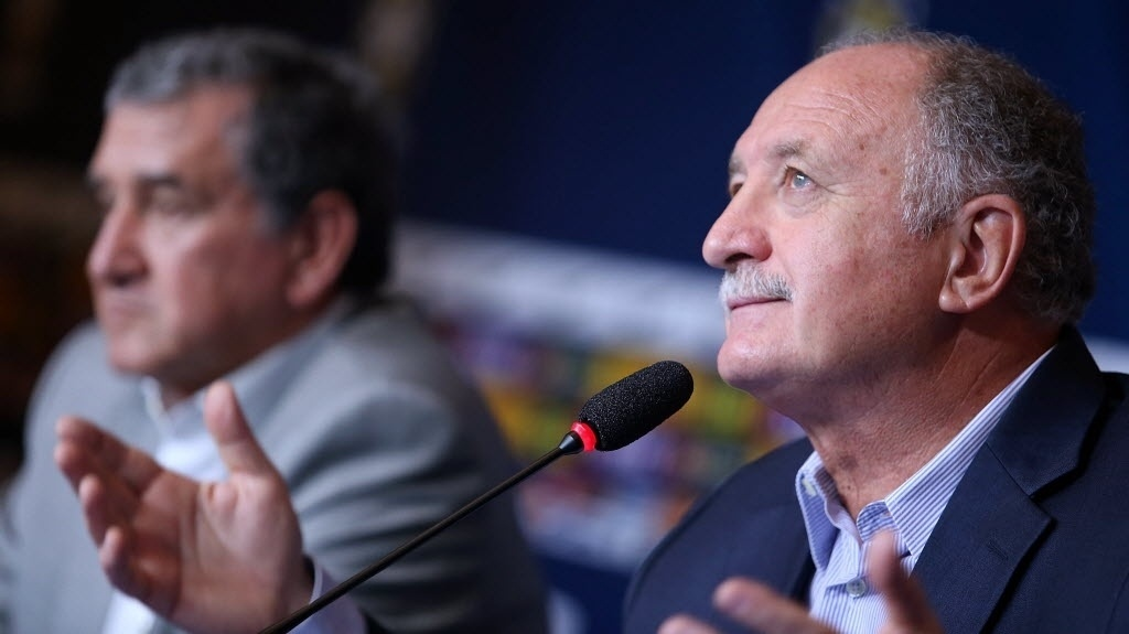 31.out.2013 - Em coletiva no Rio de Janeiro, Felipão perde a paciência com jornalistas ao falar sobre Diego Costa