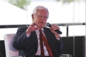 """""""Castro disse que é PMDB e PMDB é da base do governo"""", afirmou Moreira"""