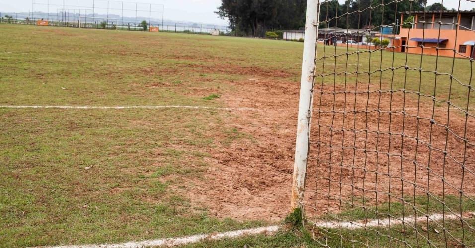 01nov2013 - Campo do Barcelona de Capela, clube que Diego Costa defendeu em São Paulo