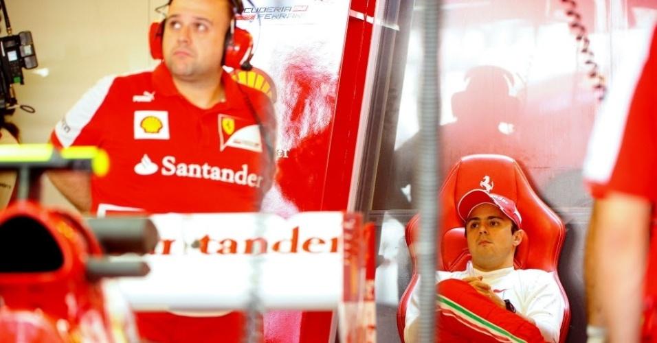 Felipe Massa fez apenas o 17º tempo no primeiro treino livre no circuito de Yas Marina