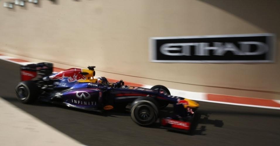 Vettel fez o terceiro melhor tempo na sessão inicial de treinos para o GP em Abu Dhabi