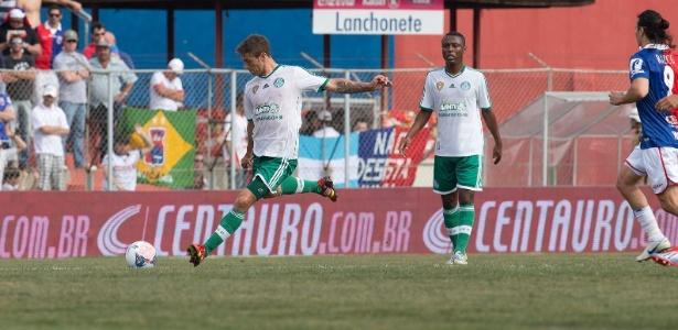 d7fcecee0e Excesso de cartões atrapalha sequência de Eguren no Palmeiras ...