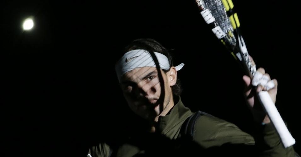 02.nov.2013 - Rafael Nadal tenta ser o primeiro tenista da história a conquistar seis títulos de Masters 1000 em um ano