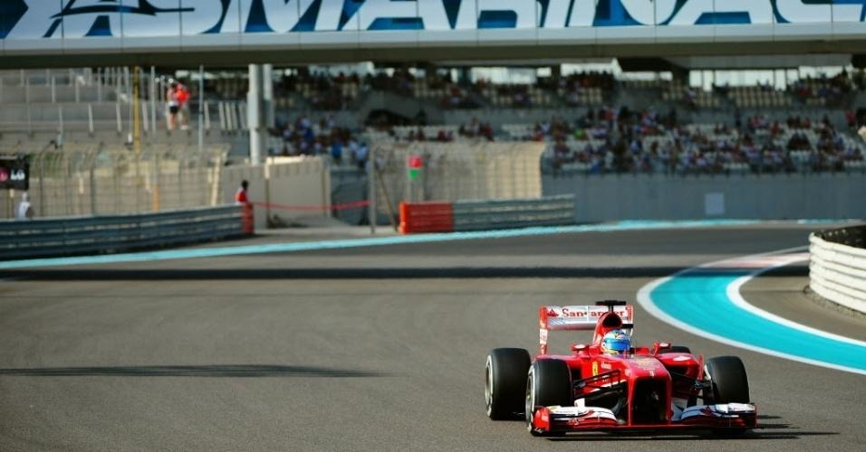 Fernando Alonso, assim como Massa, não teve boa participação nos treinos livres em Abu Dhabi, girando sempre abaixo dos nove melhores. Pneus macios não surtiram efeito esperado nas atividades à tarde. No entanto, a prova de domingo será ao entardecer, com temperatura mais amena, podendo diminuir o desgaste dos compostos