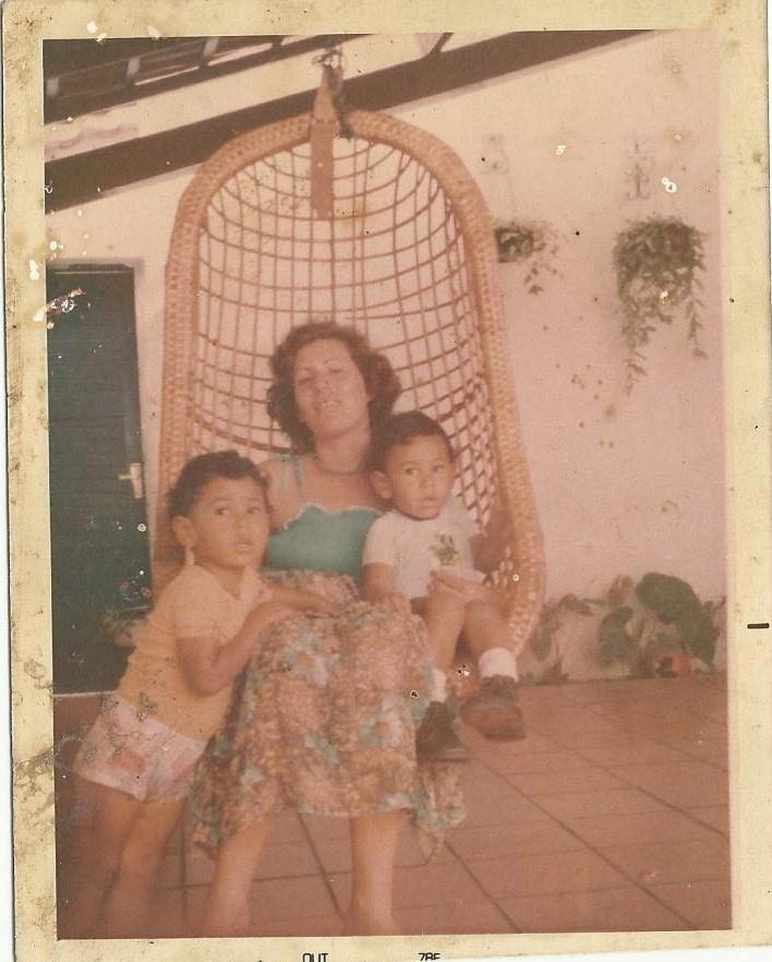 Marina Correia, mãe de Minotauro e Minotouro, lança neste mês de novembro livro sobre sua história com os gêmeos lutadores