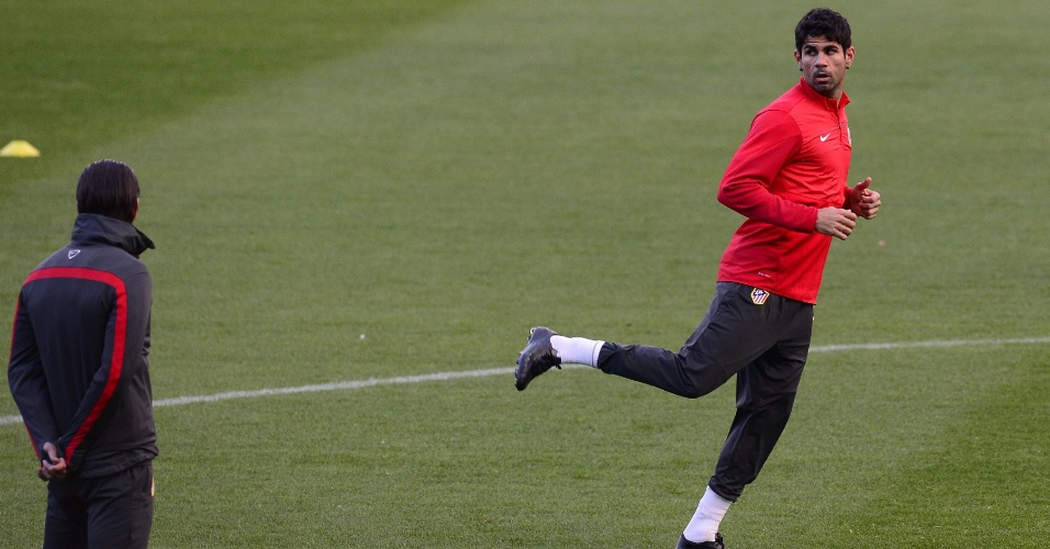 05.nov.2013 - Diego Costa participa de treino do Atlético de Madrid