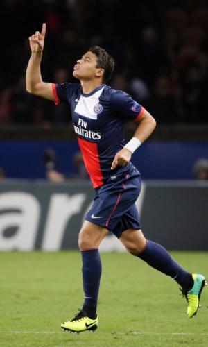 05.nov.2013 - Thiago Silva comemora gol de empate do Paris Saint-Germain contra o Anderlecht, pelo grupo C