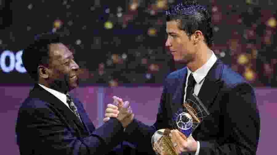 """Pelé considera Cristiano Ronaldo melhor que Messi atualmente, mas lembra: """"Rei só terá um"""" - AFP PHOTO / FABRICE COFFRINI"""