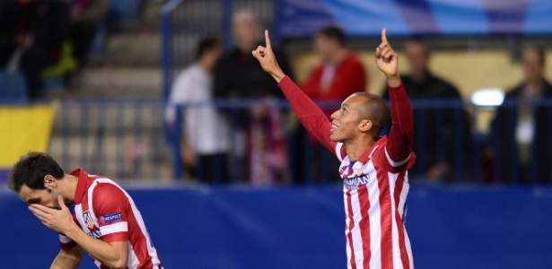 Zagueiro Miranda tem contrato com o Atlético de Madri até junho de 2016 - AFP PHOTO / PIERRE-PHILIPPE MARCOU
