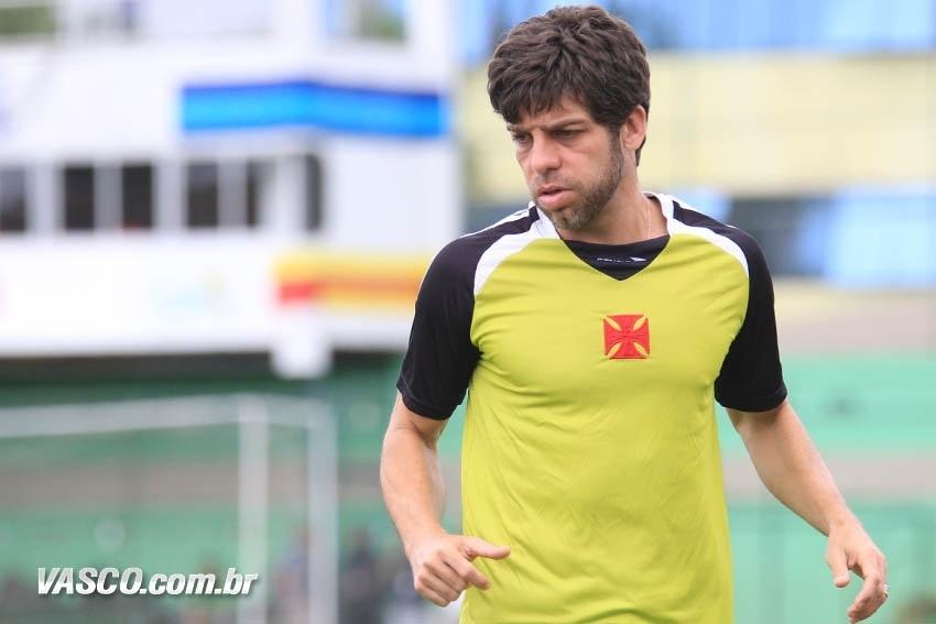 Juninho Pernambucano participa de treinamento do Vasco no CFZ (Centro de Futebol Zico)