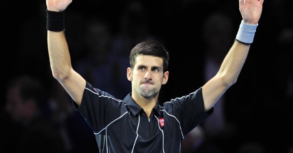 07.nov.2013 - Novak Djokovic comemora após vencer o argentino Juan Martin Del Potro pelas Finais da ATP