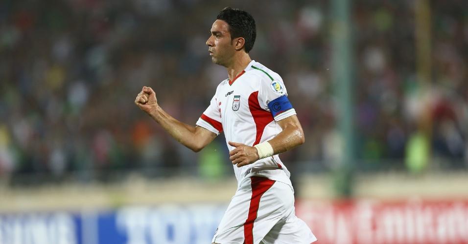 11.jun.2013 - Javad Nekounam comemora após marcar um gol na partida contra o Líbano pelas eliminatórias da Copa do Mundo-2014