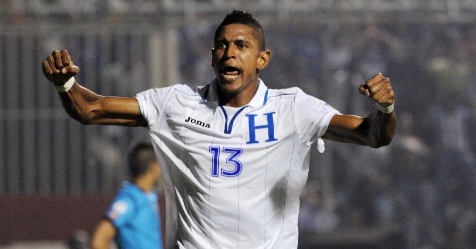 10.set.2013 - Carlo Costly comemora após marcar um dos gols de Honduras no empate por 2 a 2 com o Panamá pelas eliminatórias da Copa do Mundo-2014