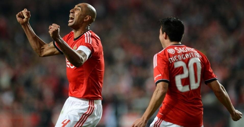 09.nov.2013 - Luisão comemora após marcar o gol da vitória do Benfica sobre o Sporting em clássico na Taça de Portugal