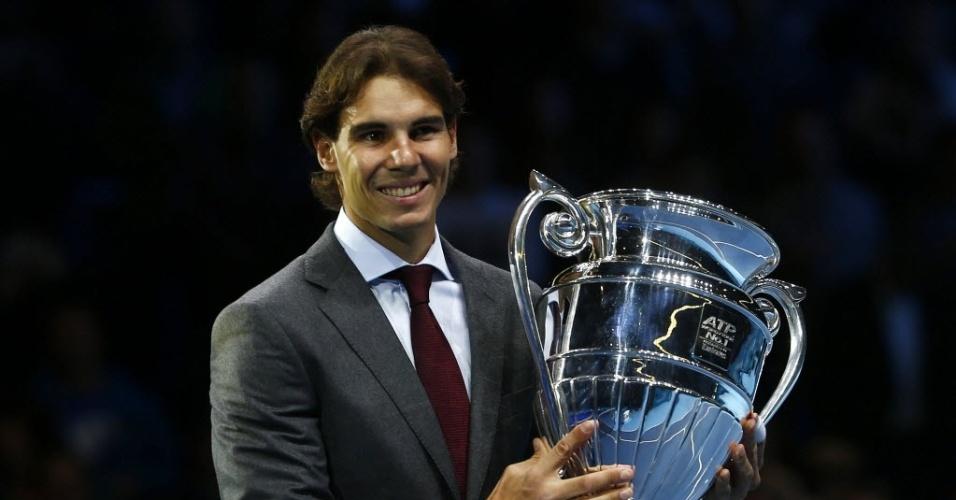 09.nov.2013 - Número 1 do mundo, Rafael Nadal recebeu homenagem da ATP durante o ATP Finals
