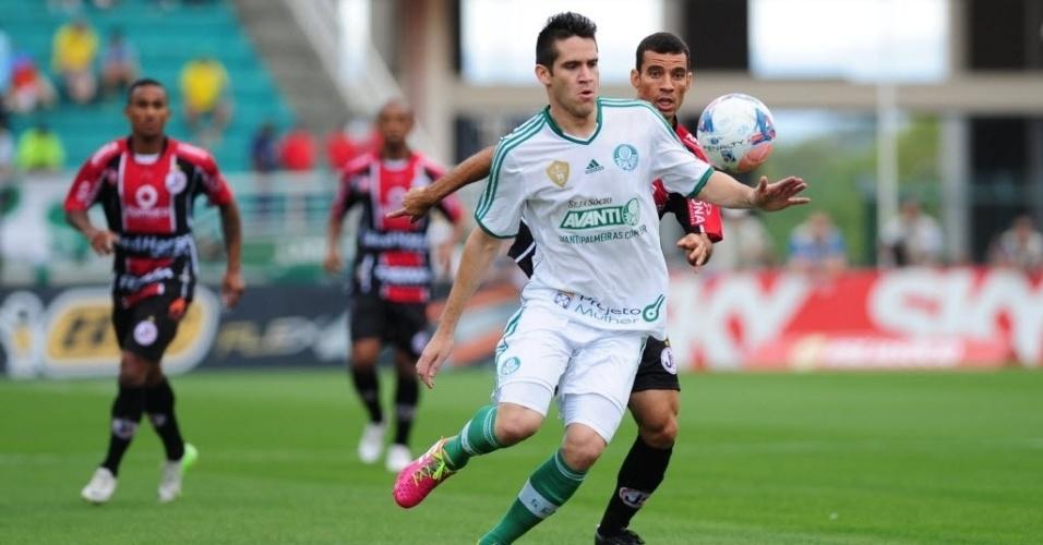 Marcelo Oliveira teve muito trabalho no primeiro tempo e foi um dos principais responsável por fazer a marcação dos adversários