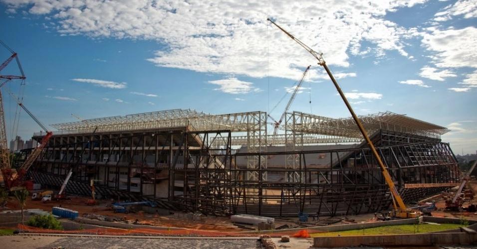 11.nov.2013 - Arena Pantanal está sendo erguida no mesmo local do antigo Estádio José Fragelli, conhecido popularmente como