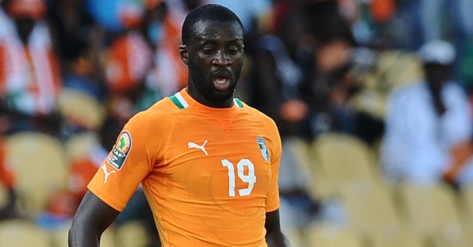22.jan.2013 - Yaya Touré domina a bola durante a partida contra Togo pela Copa Africana de Nações