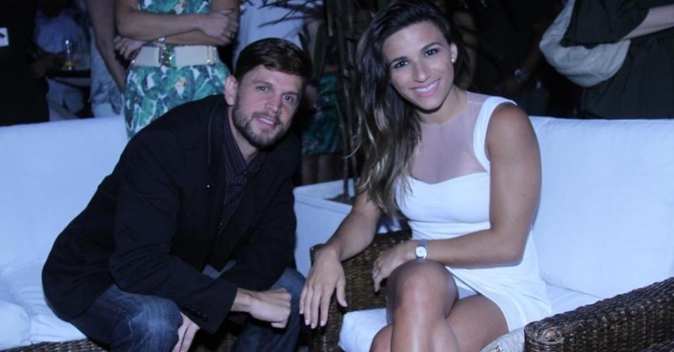 13.nov.2013 - Jade Barbosa compareceu a premiação no Rio de Janeiro e se descuidou, mostrando a calcinha