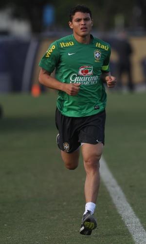 14.nov.2013 - Zagueiro Thiago Silva foi poupado da atividade e ainda é dúvida para o duelo contra Honduras