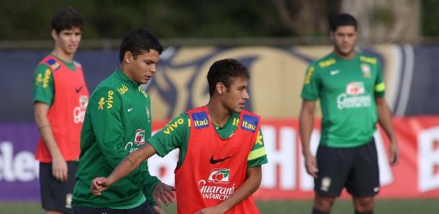 Thiago Silva revela que tentou convencer Neymar a jogar pelo PSG