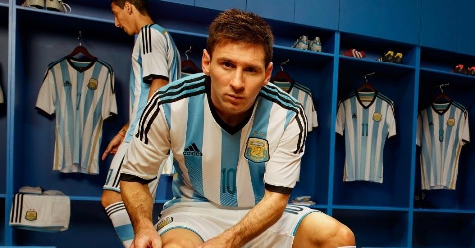 14.nov.2013 - Lionel Messi foi a estrela do lançamento da nova camisa da seleção argentina