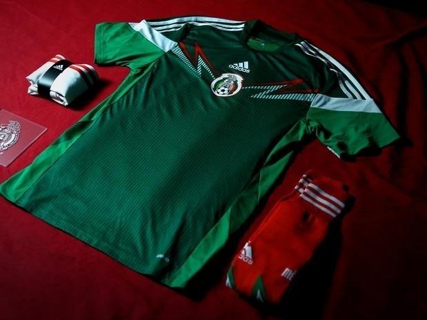 Rival do Brasil na Copa do Mundo, o México também apresentou seu novo uniforme