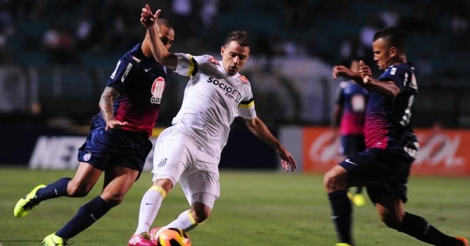 Montillo tenta armar a jogada para o Santos contra o Bahia pelo Brasileirão  (14. 4b88b1325c02b